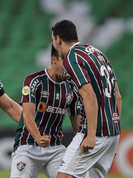 Nino comemora com Fred o primeiro gol do Fluminense contra o São Paulo - Thiago Ribeiro/AGIF