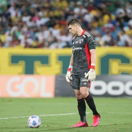 Tiago Volpi, goleiro do São Paulo, no jogo contra o Cuiabá - Gil Gomes/AGIF