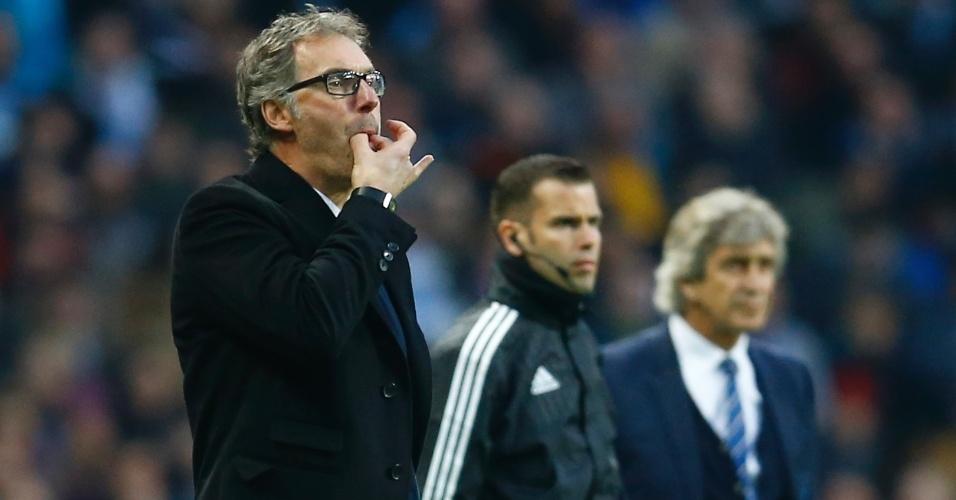 Laurent Blanc chama atenção dos atletas do PSG contra o Manchester City pela Liga dos Campeões