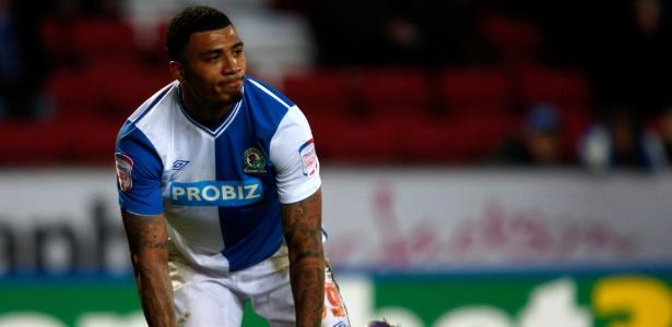 Kazim fez o gesto na época em que atuava pelo Blackburn Rovers, da Inglaterra - Paul Thomas/Getty Images