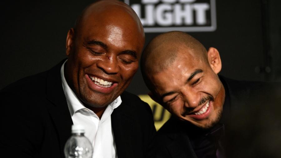 Anderson Silva e José Aldo no UFC 200 - Jeff Bottari/Zuffa LLC