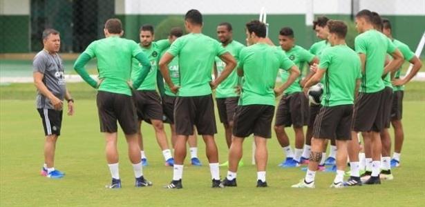 Pachequinho aguarda Henrique Almeida para montar equipe contra o Cianorte