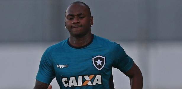Sassá sequer participou do treinamento e foi embora após 50min no Botafogo