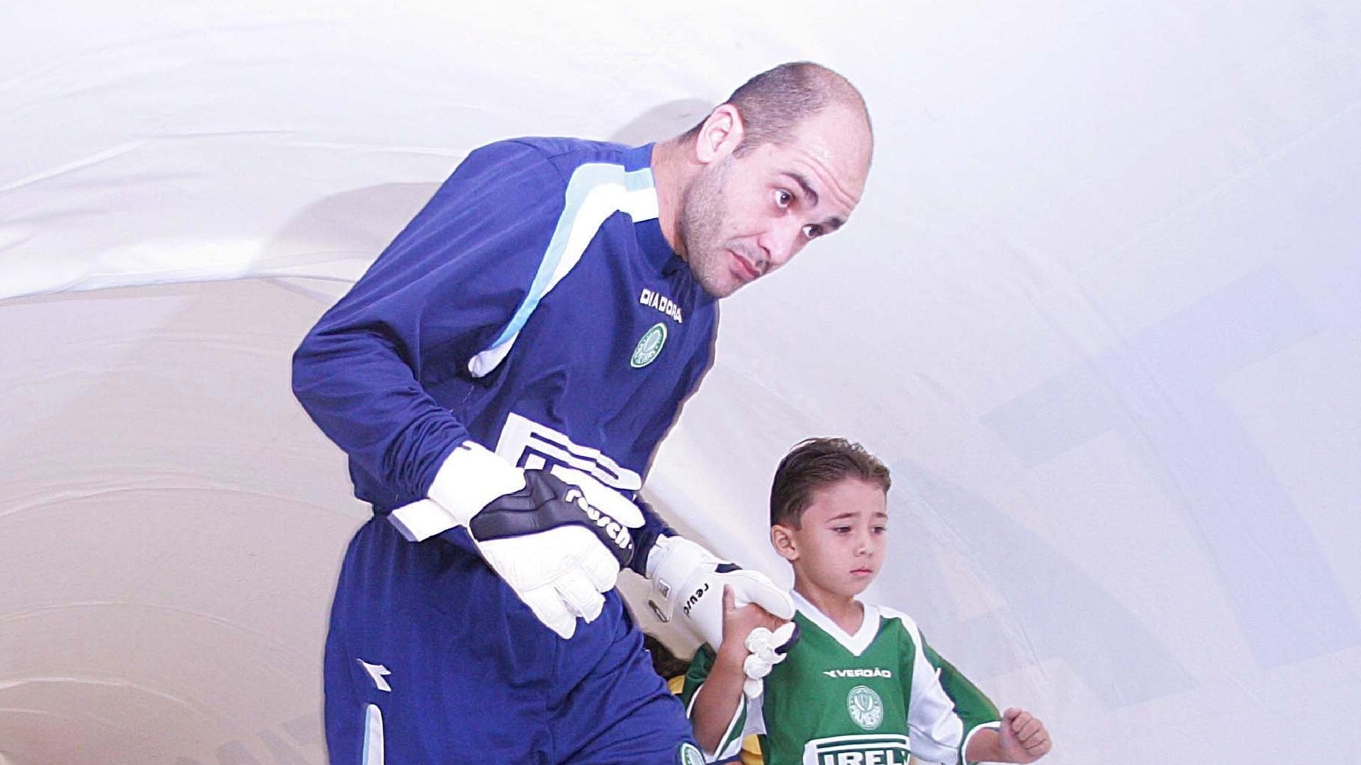 Marcos antes de partida do Palmeiras na Libertadores em 2005