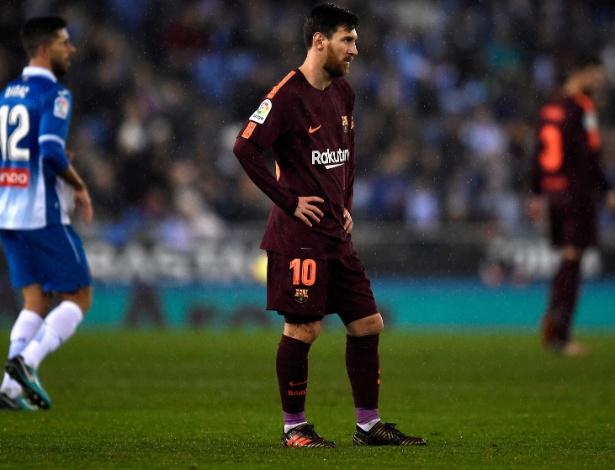 Messi voltou a perder um pênalti, e o Barça levou um gol do seu rival local