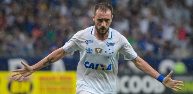 7abacd76ad9ac Flamengo negocia com Cruzeiro por dívida e exige pagamento até o fim do ano