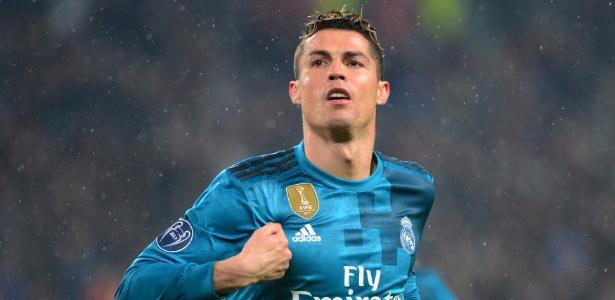 77465f7fe676d Cristiano Ronaldo faz novo gol de bicicleta. Agora foi no treino -  07 04 2018 - UOL Esporte