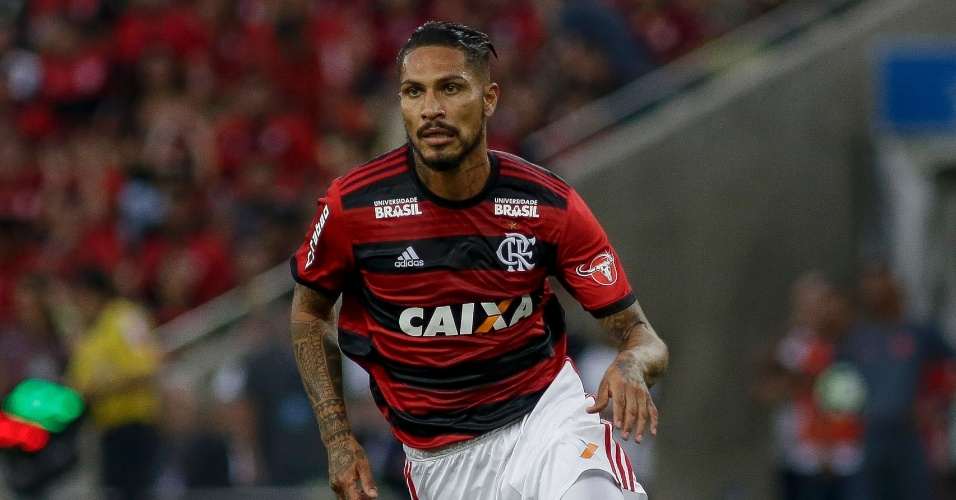 Guerrero volta a jogar após doping na partida entre Flamengo e Internacional pelo Campeonato Brasileiro