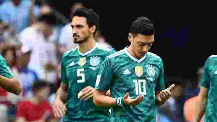 Ozil reza antes de jogo da Alemanha na Copa da Rússia - AFP PHOTO / Jewel SAMAD - AFP PHOTO / Jewel SAMAD