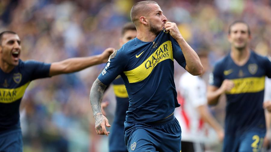 Darío Benedetto comemora segundo gol do Boca Juniors sobre o River Plate - Raúl Martínez/EFE