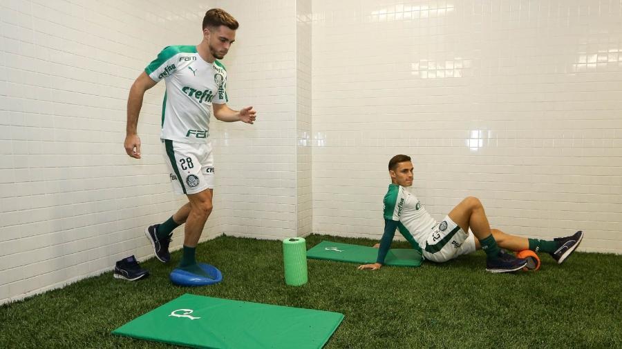 Hyoran e Raphael Veiga podem ser negociados pelo Palmeiras  - Cesar Greco/Ag. Palmeiras/Divulgação