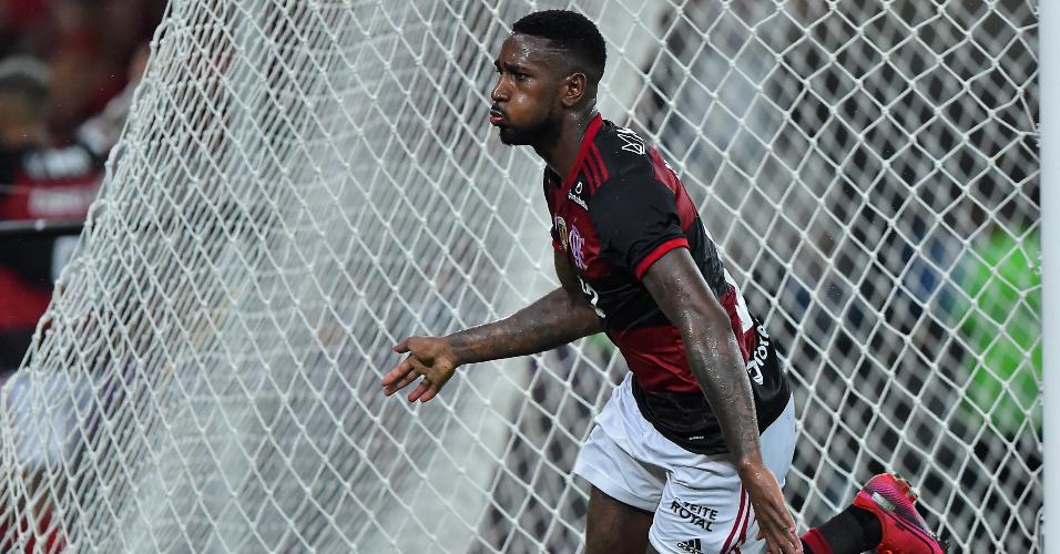 Gerson comemora gol do Flamengo contra o Del Valle
