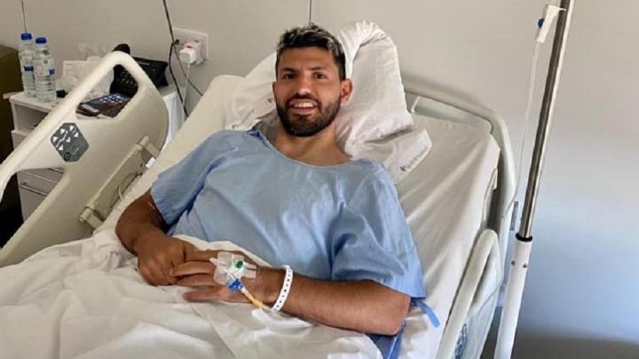 Sergio Aguero publica foto após cirurgia no joelho esquerdo - Reprodução/Facebook
