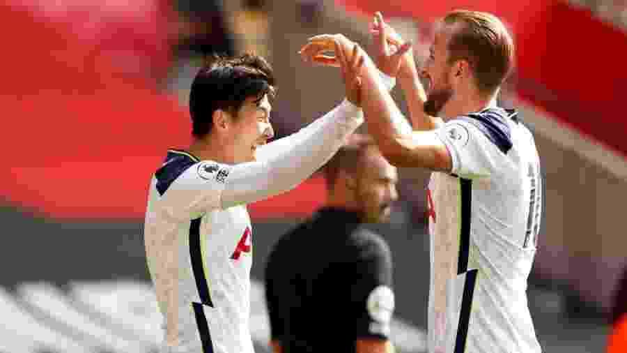 Son comemora gol do Tottenham com Harry Kane - Pool/Getty Images