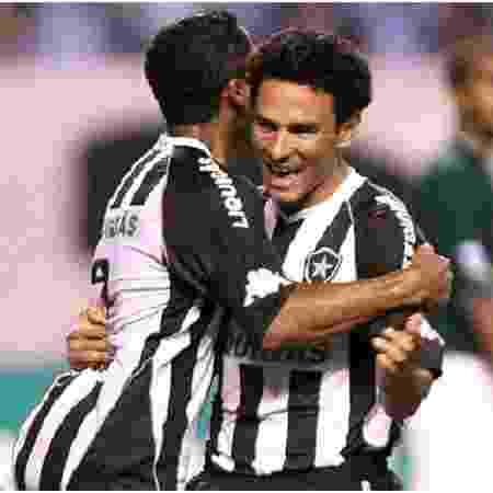 Túlio Lustosa celebra gol pelo Botafogo - Fernando Soutello/Agif - Fernando Soutello/Agif