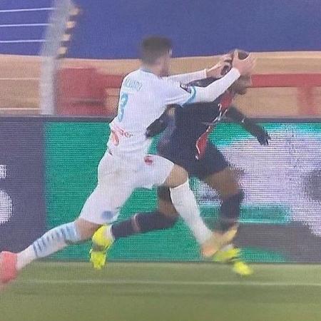 Álvaro González e Neymar se provocaram após a Supercopa da França - Reprodução