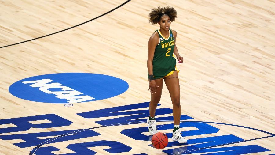 DiDi Richards em ação pela Baylor University na temporada 2021 do basquete universitário dos EUA - C. Morgan Engel/NCAA Photos via Getty Images