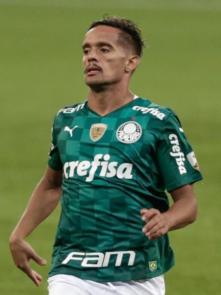 Gustavo Scarpa em ação pelo Palmeiras contra o Defensa y Justicia pela Libertadores - Marcello Zambrana/AGIF