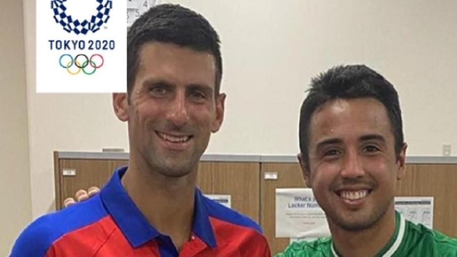 Depois de perder para Djokovic, o boliviano Hugo Dellien pediu para trocar de camisa - Reprodução Twitter