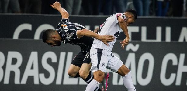 Giovanni Augusto em ação num Corinthians x Atlético-MG, válido pelo Campeonato Brasileiro - Eduardo Anizelli/Folhapress