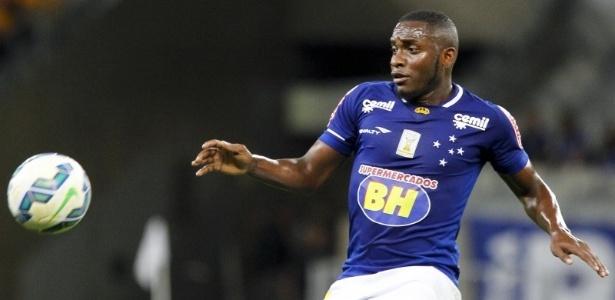 Volante estava no Corinthians e não será reaproveitado no Cruzeiro de Mano Menezes