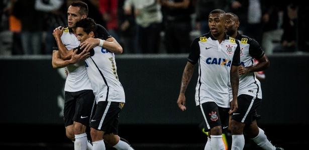 Corinthians de 2015 sofreu desmanche nos primeiros meses de 2016