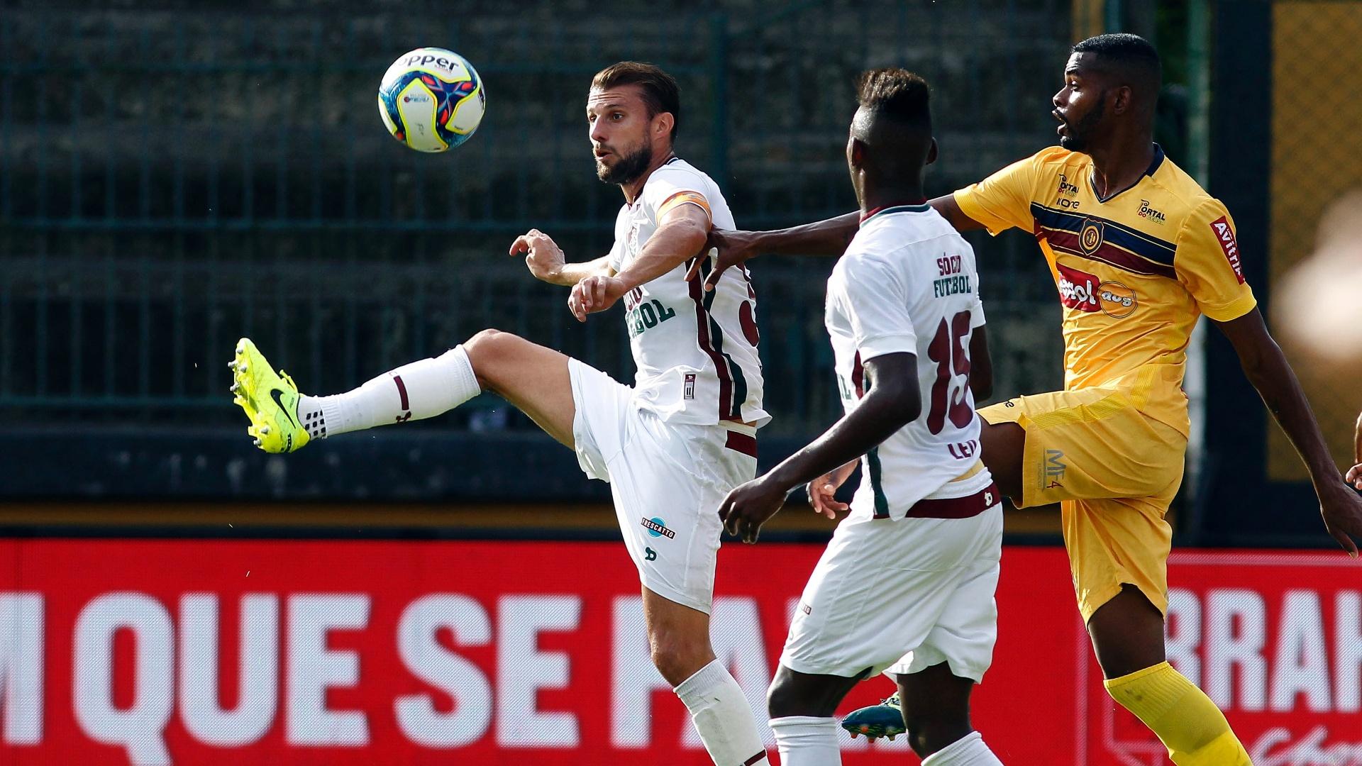 Henrique no jogo contra o Madureira