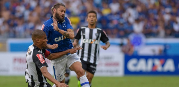 Rafael Sóbis não entra em campo pelo Cruzeiro desde o triunfo sobre o Atlético-MG