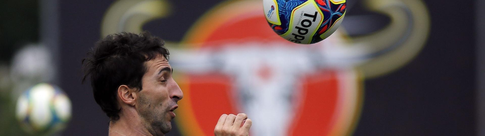 O zagueiro Alejandro Donatti conquistou espaço após longo tempo no Flamengo