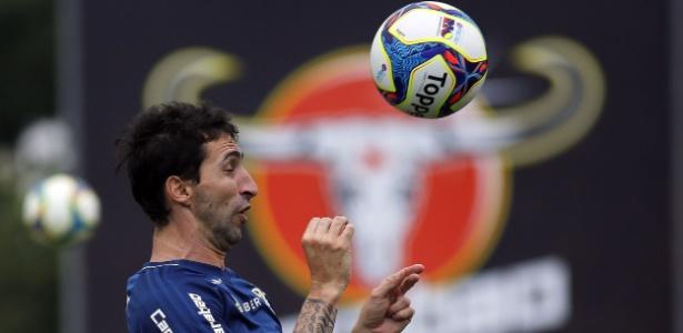 O zagueiro Alejandro Donatti deve ser o primeiro jogador a deixar o Flamengo