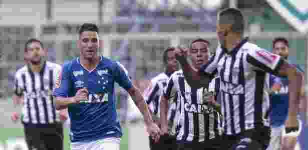 Atlético-MG e Cruzeiro estão cheio de débitos. Mas seguem investindo no mercado - André Yanckous/AGIF