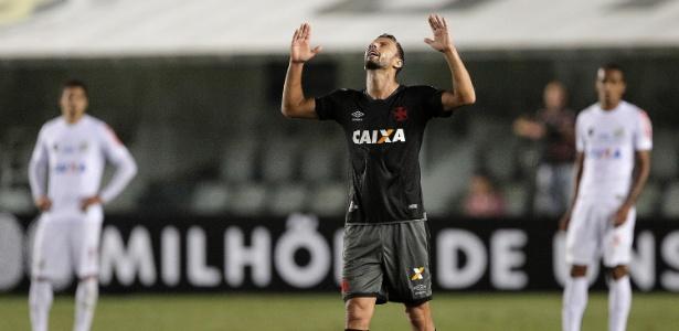 Nenê pode voltar ao Santos caso reduza ordenado. Ele defendeu o time em 2003