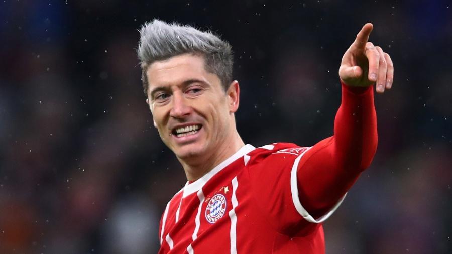 Lewandowski comemora gola na partida entre Bayern e Colônia - REUTERS/Michael Dalder