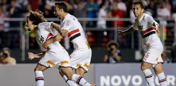 Valdivia voltou a ser relacionado por Diego Aguirre no São Paulo