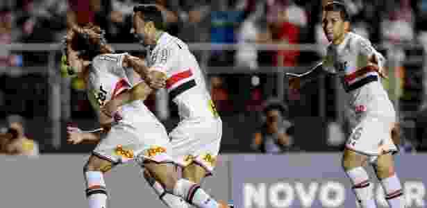 Valdivia voltou a ser relacionado por Diego Aguirre no São Paulo - Marcelo Zambrana/Agif
