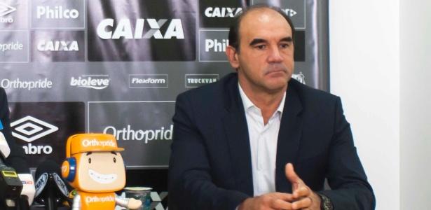 Ricardo Gomes vê Santos forte no mercado por conta do dinheiro da venda de Rodrygo