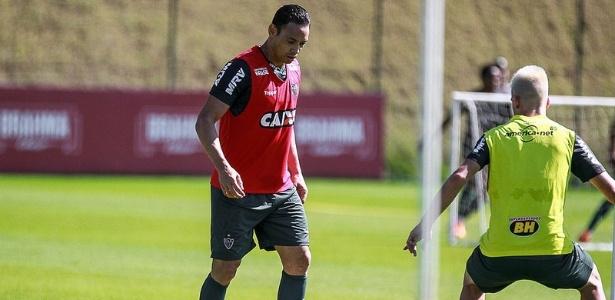 Ricardo Oliveira ficou fora do jogo-treino do Atlético-MG por estar gripado