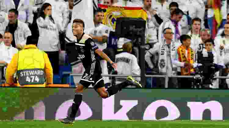 David Neres comemora gol do Ajax contra o Real Madrid - GABRIEL BOUYS / AFP - GABRIEL BOUYS / AFP