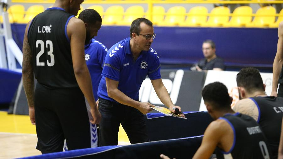 Cesar Guidetti, técnico do Pinheiros - Divulgação/NBB