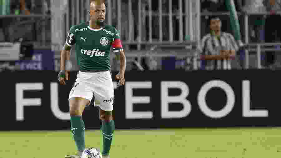 Felipe Melo em ação contra o Atlético Nacional; jogador se tornou o capitão do Palmeiras de Vanderlei Luxemburgo - Cesar Greco/Ag. Palmeiras
