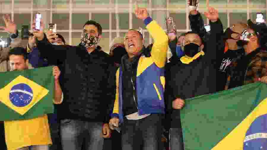 O lutador Wanderlei Silva participa de protesto em Curitiba - EDUARDO MATYSIAK/FUTURA PRESS/ESTADÃO CONTEÚDO