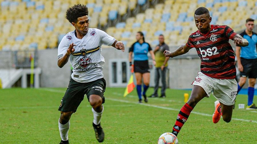 Flamengo libera transmissão no YouTube após problemas com plataforma