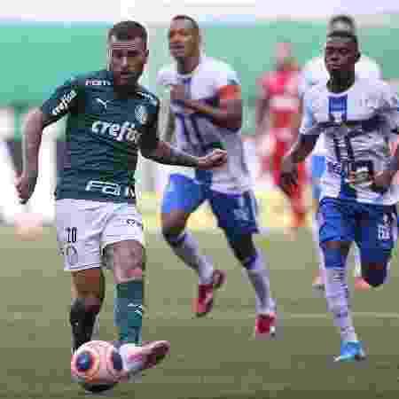 Lucas Lima, do Palmeiras, em jogo contra o Água Santa - Cesar Greco