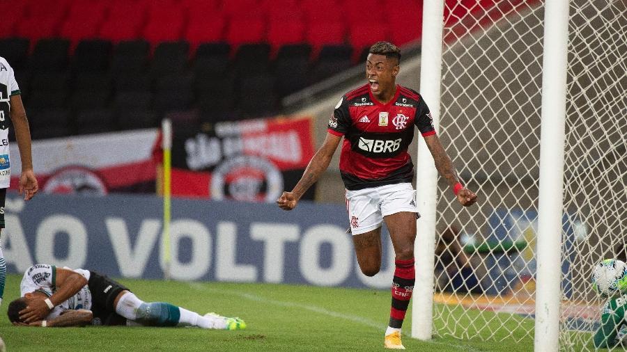 Bruno Henrique, do Flamengo, celebra gol que abriu o placar na vitória por 3 a 1 sobre o Coritiba, no Maracanã - Alexandre Vidal / Flamengo