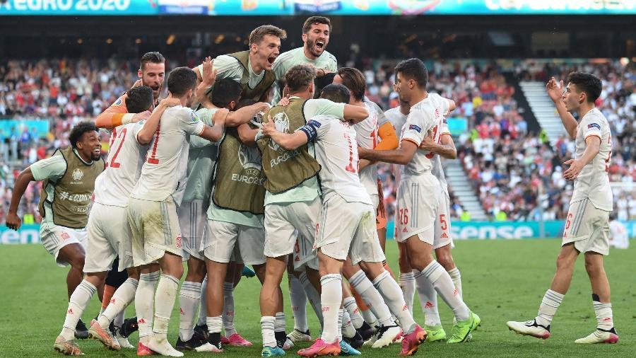 Espanha eliminou a Croácia na prorrogação, em jogo emocionante de oito gols - STUART FRANKLIN / POOL / AFP