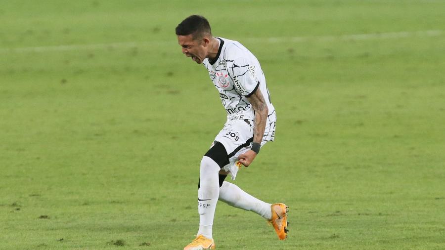 Adson, do Corinthians, celebra gol durante partida contra o Cuiabá, pela 13ª rodada do Brasileirão 2021. - Gil Gomes/AGIF