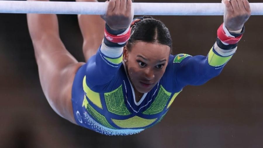 Rebeca Andrade na disputa da final do individual geral em Tóquio - Ricardo Bufolin/CBG