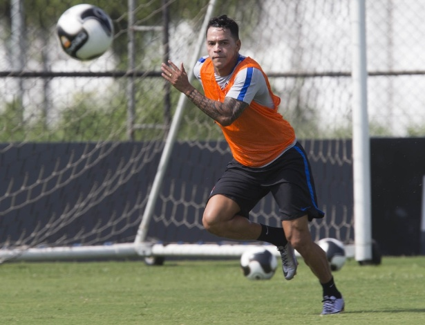 Giovanni Augusto estreará pelo Corinthians como titular no clássico com SP