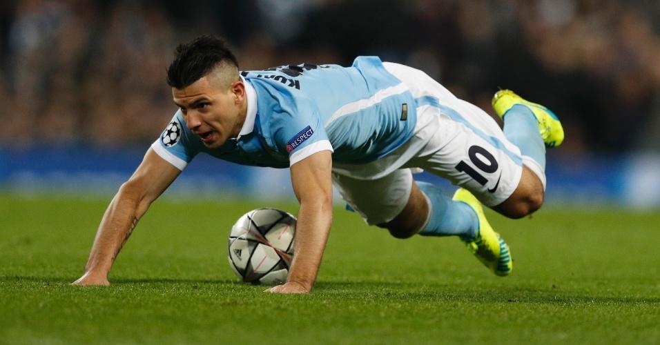 Agüero em ação no jogo do Manchester City contra o Dínamo de Kiev