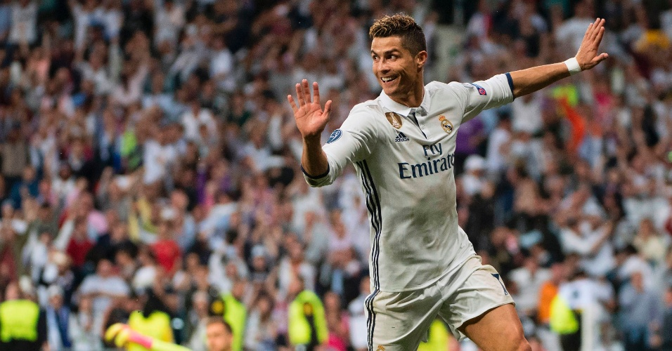 Cristiano Ronaldo comemora gol marcado para o Real Madrid contra o Atlético
